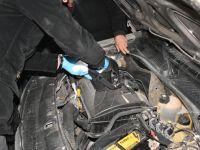 Otomobilin Motor Kaputunda Uyuşturucu Ele Geçirildi