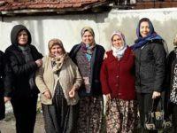 Akhisar'da CHP'li kadınlar referandum çalışmasını başlattı