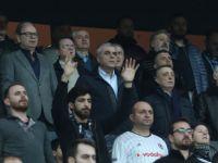 Akhisar Belediyespor'da Başkan Eryüksel; Beşiktaş taraftarının baskısı ile kazandı