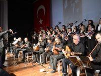 Emekli Öğretmenler Türk Halk Müziği koro konserine yoğun ilgi