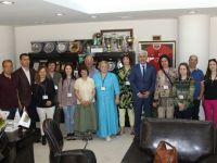 4 ülkeden 10 dil öğretmeni Akhisar'da öğrencilere ders verecek