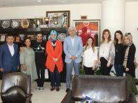 TOBB Kadın Girişimcilerden Üniversite Derneğine 44 bin lira bağış