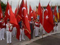 Atatürk'ü anma ve gençlik spor bayramı çelenk programı