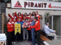Türkiye 3.lüğünü Piramit Dondurmada kutladılar