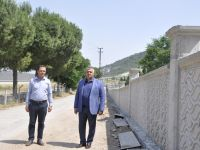 Akhisar Mezarlığı'nın etrafı yenileniyor