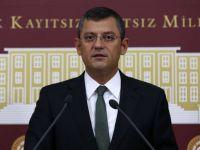 CHP Milletvekili Özel, asit tankerini meclise taşıdı