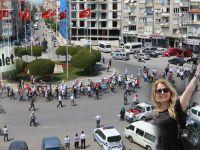CHP'nin İzmir'den başlattığı Adalet yürüyüşü Akhisar'da