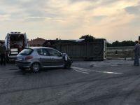 Medar mevkiinde feci kaza 3 kişi yaralandı