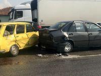 Akhisar'da yağmur kazayı getirdi! 2 kazada 9 araç birbirine girdi