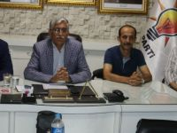 AK Parti Akhisar İlçe Başkanı İsmail Hakkı Şenyiğit aday olmayacağını açıkladı