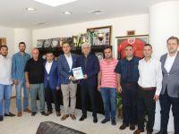 AKGİAD, Akhisar Üniversitesine 10 bin TL bağışladı