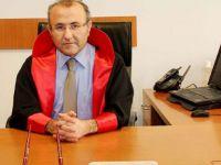 Akhisar Adliyesinde yenilenen salonu Mehmet Selim Kiraz ismi verildi