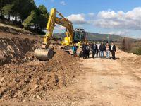 Akhisar'da yol çalışmaları devam ediyor