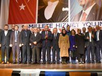 AK Parti Akhisar ilçe teşkilatında görev dağılımı yapıldı