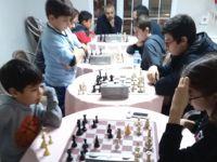 Akhisargücü satranç geceleri Down Cafe'de devam ediyor