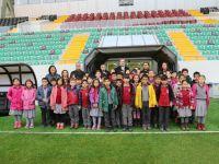 Öğrenciler Spor Toto Akhisar Belediye Stadyumunu ziyaret etti