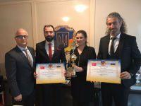 Akhisarlı kuaförlere bir ödül de Ukrayna konsolosluğundan!