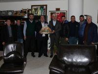 Akhisar Manavlar ve Pazarcılar Esnaf Odası'ndan Belediye Başkanı Salih Hızlı'ya ziyaret