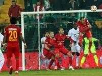 T.M. Akhisarspor çeyrek finalde averajı kaptı