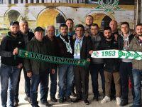 T.M. Akhisarspor ile Bursaspor taraftarı arasındaki buzlar eridi, dostluk mesajı verildi