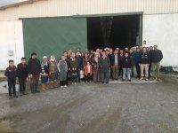 Süt sığırcılığı kursiyerlerinden işletme ziyareti
