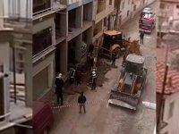 Akhisar Atatürk Mahallesi 164 sokakta doğalgaz boru hattında patlama panik yarattı