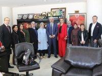 AK Parti Kadın Kollarından, Belediye Başkanı Salih Hızlı'ya ziyaret