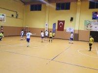Hüseyin Çeçen ve Armağan Özeş Futsal turnuvasında final grubu şekilleniyor