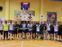 Hüseyin Çeçen ve Armağan Özeş Futsal turnuvasında şampiyon bu akşam belli oluyor