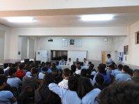 Akhisar SMMM temsilcileri Cumhuriyet MTAL'de seminer verdi