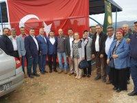 MHP Aday Adayı Av. Osman Oktay, vatandaşla el ele