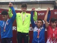 Akhisar Belediyesporlu güreşçi Onur Yurtada, Türkiye Şampiyonu oldu