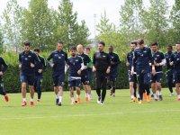 Sezonun ilk kupasını alan T.M. Akhisarspor, Ligin son haftasında Osmanlıspor'u konuk ediyor