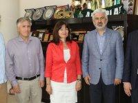 Akhisar Belediye Başkanı Salih Hızlı, Yunanistan İzmir Başkonsolosunu konuk etti