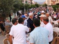 Başkan Hızlı, Efendi mahallesi sakinleriyle iftar sofrasında bir araya geldi