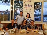 Aybek Turizm, iftar organizasyonunda Akhisarlı seyahat severlerle buluştu