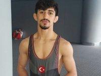 Akhisarlı Güreşçi Kemal Kamal, finalde