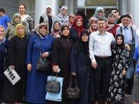 AK Partili Özkan, Huzurevi'nde kalan yaşlıların Kadir Gecesini kutladı