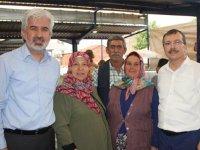 AK Parti Manisa Milletvekili Uğur aydemir, Akhisarlı pazarcı esnafını ziyaret etti