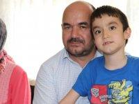 Akhisarlı Aile Efe'nin Tedavisi İçin Destek Bekliyor