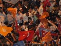 AK Parti Akhisar İlçe Teşkilatı seçim zaferini kutladı
