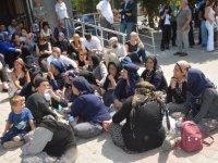 Soma Davasında mahkeme salonu önünde nöbet başladı