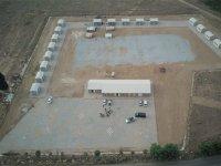 Vali Güvençer, mevsimlik tarım işçileri için yapılan geçici konaklama tesislerini inceledi