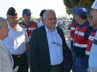 Vali Güvençer, trafik uygulama noktalarına denetleme ve kutlama ziyareti yaptı