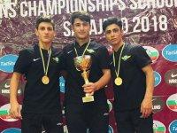 Akhisar Belediyespor, alt yapı güreş takımı 3 altın madalya ile döndü