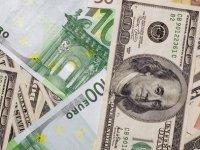 Dolar 6,44'ü, Euro 7,53'ü Aştı
