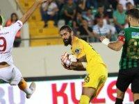 Akhisar'a Süper Kupa'yı getiren kaleci Fatih maçın adamı oldu