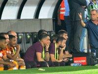 Fatih Terim maçın bitimine beklemeden sahadan ayrıldı