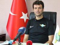 Akhisarspor'da Cihat Arslan, ilk basın toplantısını yaptı