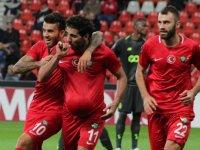 Akhisarspor, Avrupa'da ilk golü atarken henüz puanla tanışamadı